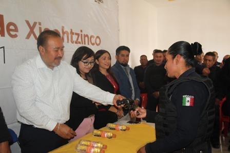 Alcalde aumenta 15% el salario a policías de Xicohtzinco