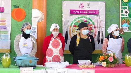 Realizan demostración de alimentos saludables en CAIC Xicohtzinco