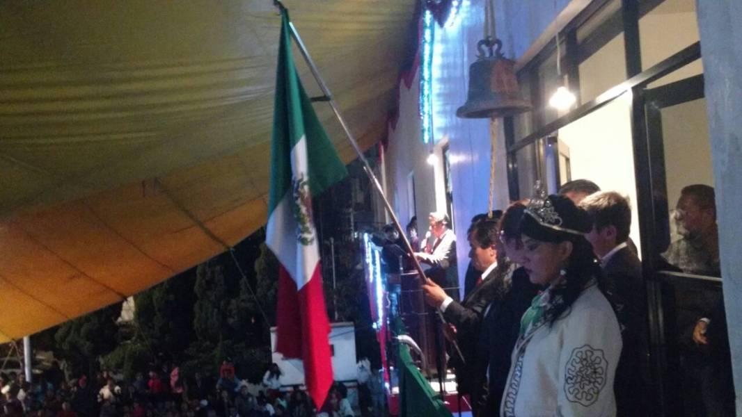 Alcalde de Xaloztoc vitoreó a héroes de la Independencia