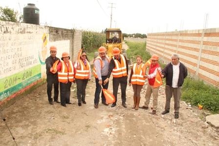 Badillo Jaramillo lleva infraestructura básica a la 5 de Mayo