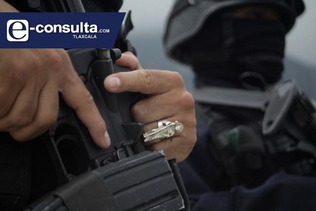 Comando armado balacea a comerciantes que se resistieron a asalto