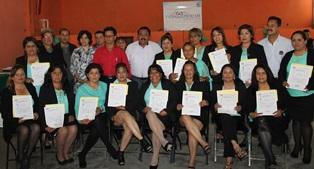 Se gradúan alumnas de los cursos de ICATLAX