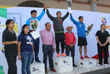 Más de 120 los participantes en Carrera del Día del Padre de Zacatelco
