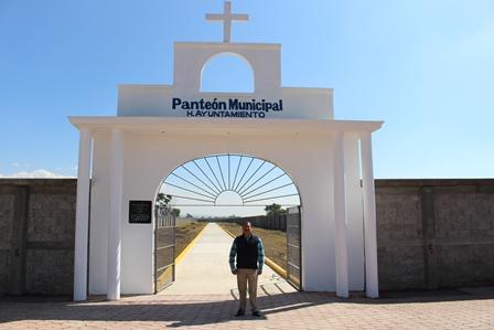 Finaliza administración alcalde Zacatelco con entrega de panteón