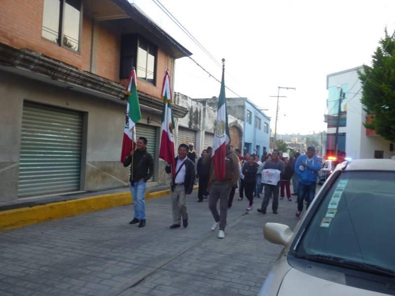 Zacualpan inicia sus fiestas patrias con la colocación de Bandos