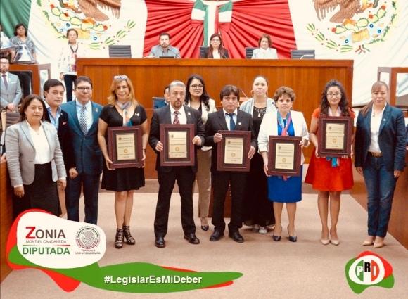 Entrega Zonia Montiel Candaneda reconocimiento a rotarios de Tlaxcala