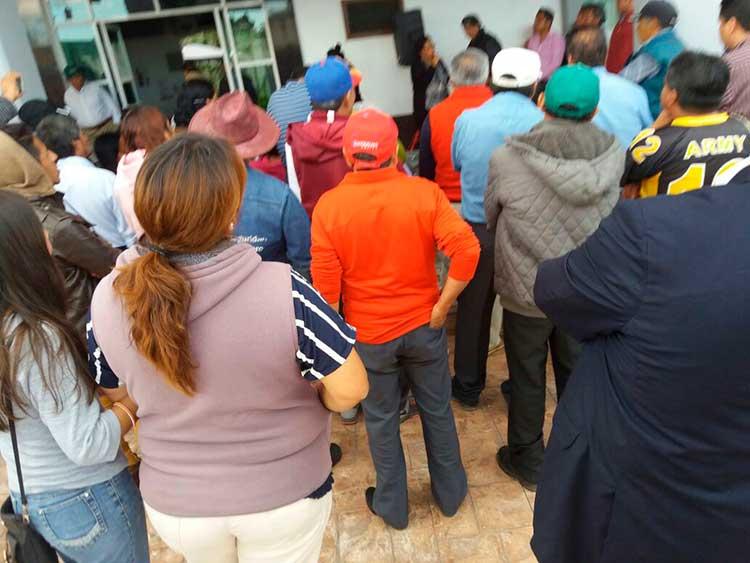 Vecinos logran destitución del director seguridad en Tzompantepec